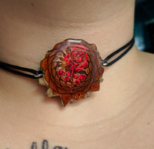 Load image into Gallery viewer, Rose choker