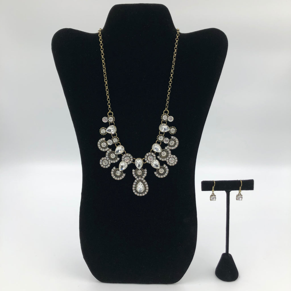 Chic Silver Necklace Set