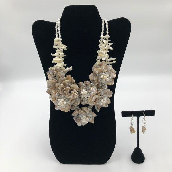 White Coral Flower Necklace Set