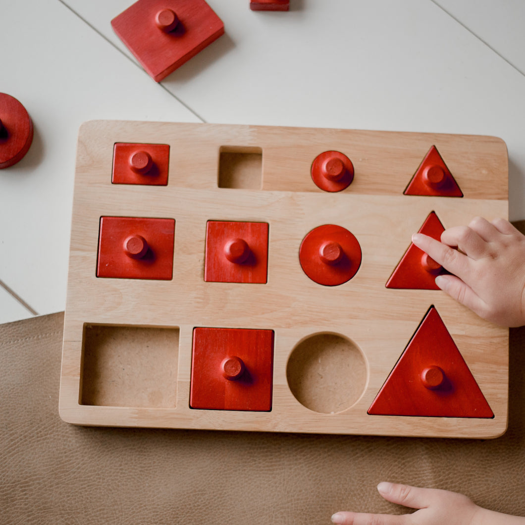 Montessori toddler shape and size puzzle, large knobs for ease. fine motor skills development, mathematics and geometric understanding in early learning environment. all natural shape puzzle. eco friendly toddler gift