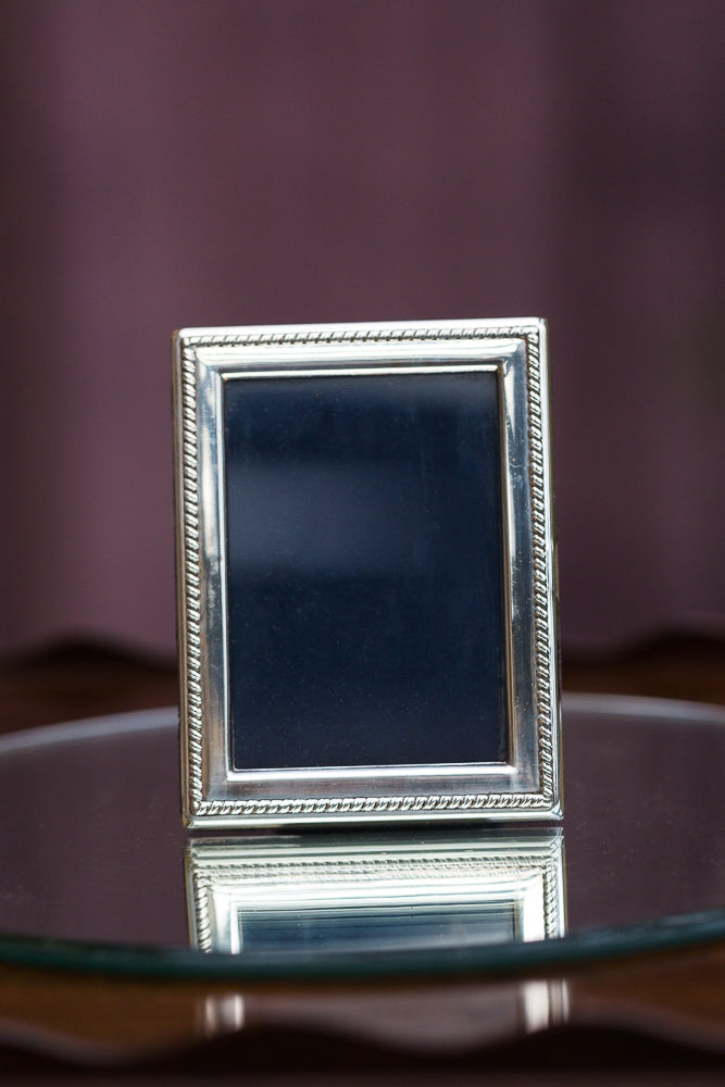 Offbeat Interiors - Silver Picture Frame
