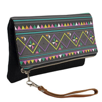 black-hmong-clutch-side