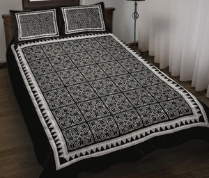 Black & White Hmong Printed Pattern Quilt Bed Set