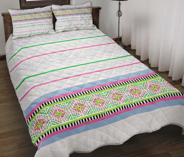 White Hmong Stripe Quilt Bed Set