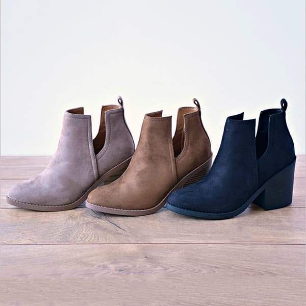 Sandalsdaily Ankle Pointed Chunky Boots
