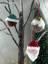Load image into Gallery viewer, Knitted Christmas pudding tree decoration