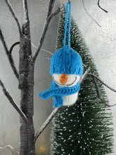 Load image into Gallery viewer, Knitted Snowman Christmas tree decoration