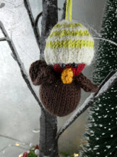 Load image into Gallery viewer, Knitted Christmas Robin decoration