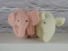 Load image into Gallery viewer, Knitted Pink elephant