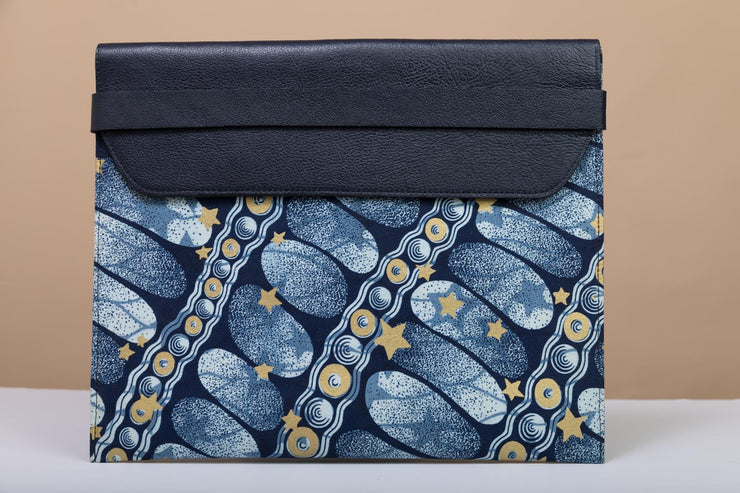 BY M.A.R.Y Accessories Blue and Golden Flowers; Febe Clutch - Blue and Golden Stars