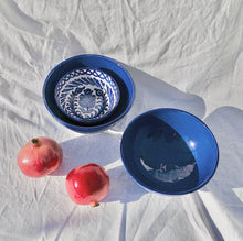 Load image into Gallery viewer, MEDIUM bowl with blue glaze - Pomelo casa
