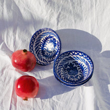 Load image into Gallery viewer, SMALL bowl with hand painted designs - Pomelo casa