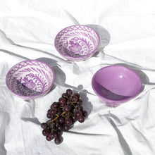 Load image into Gallery viewer, SMALL bowl with lilac glaze
