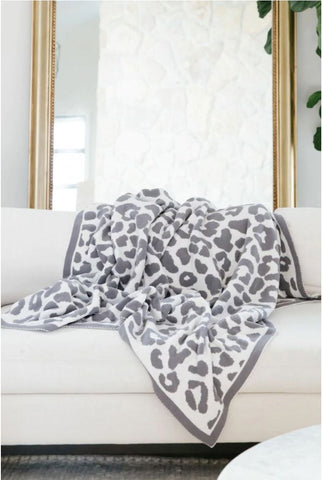 Luxe by PRIV Leopard Throw Blanket