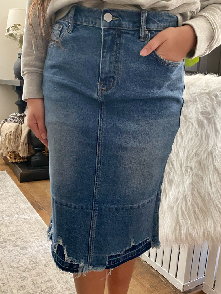 Destroyed Hem Stretchy Denim Skirt