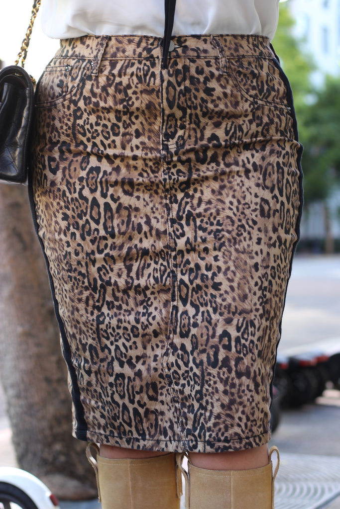 FINAL SALE Leopard Stretchy Denim Skirt