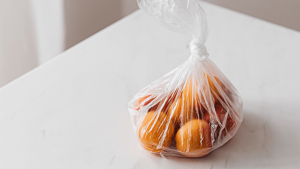 Bunch-of-Oranges-In-Clear-Plastic-Bag