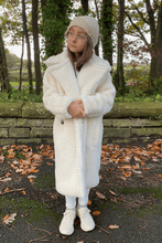 Load image into Gallery viewer, Mini LILY Cream Teddy Coat