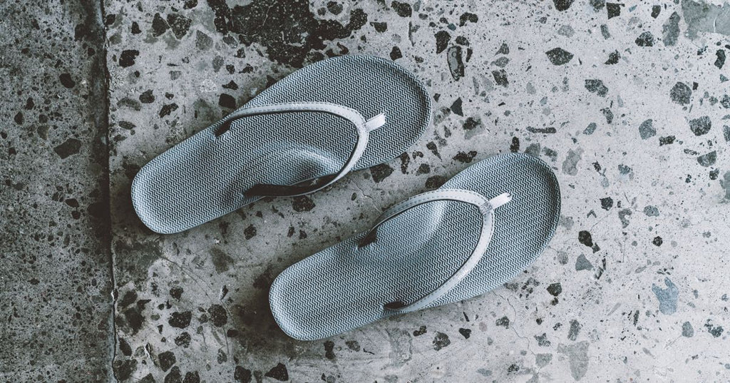 Comfortable Flip Flops and Slippers with Arch Support
