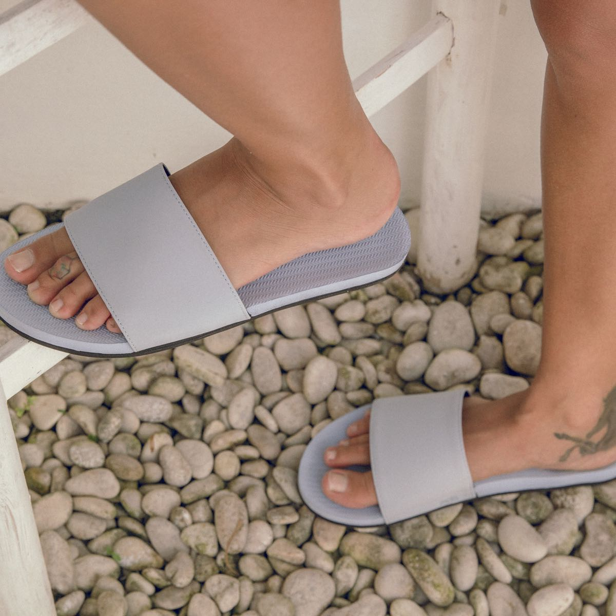 Women's ESSNTLS Slides - Light Shore