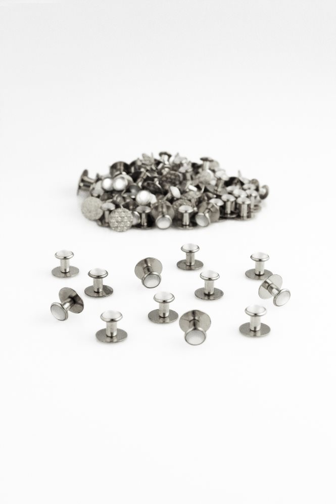 White & Silver Studs (144 pieces)