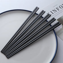 Load image into Gallery viewer, Contemporary Stainless Steel Black Chopstick Set (10 pairs)