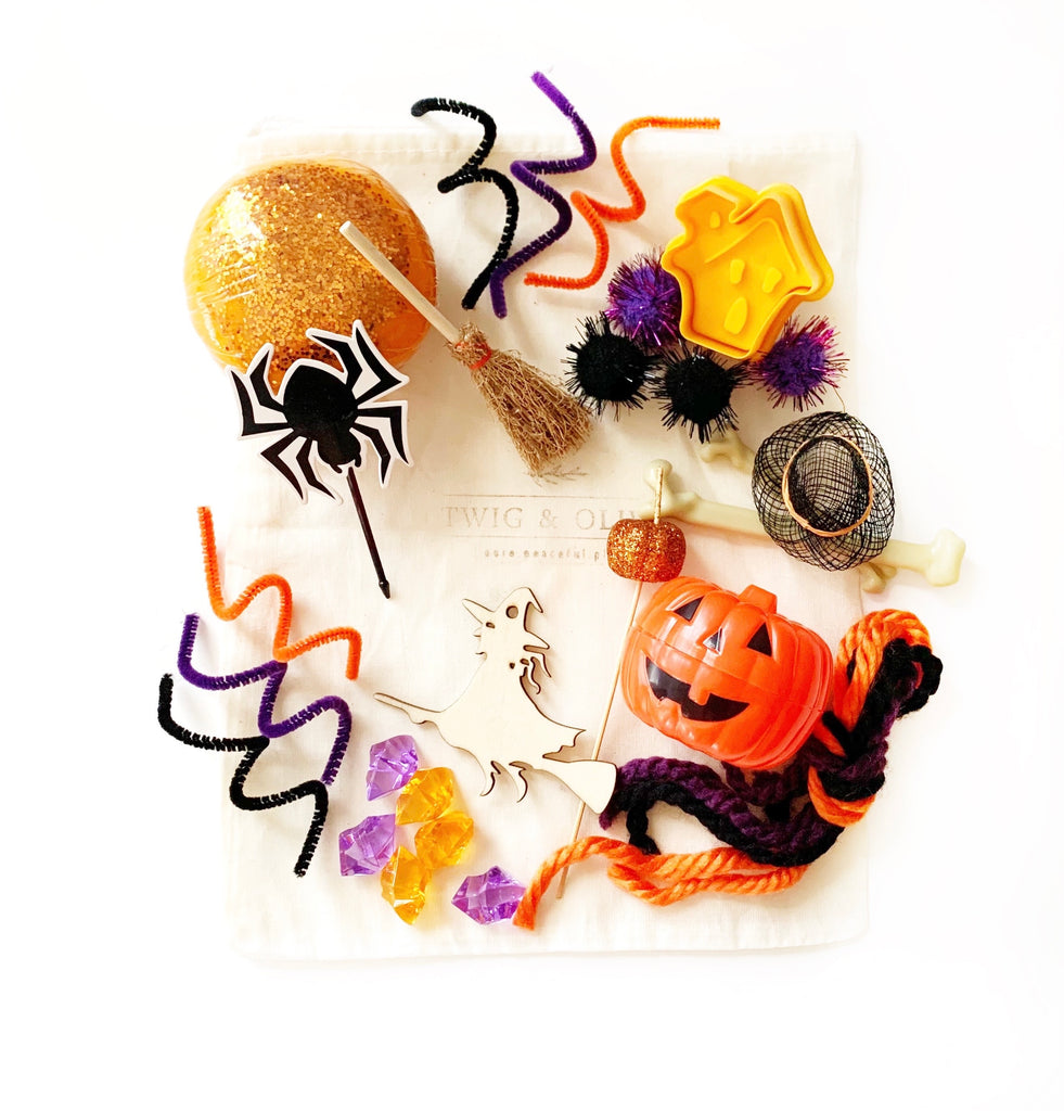 Witchy Halloween mini