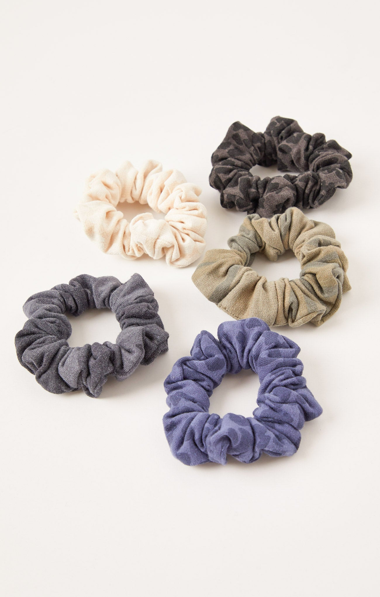 Promo Items Gift With Purchase Scrunchie Black