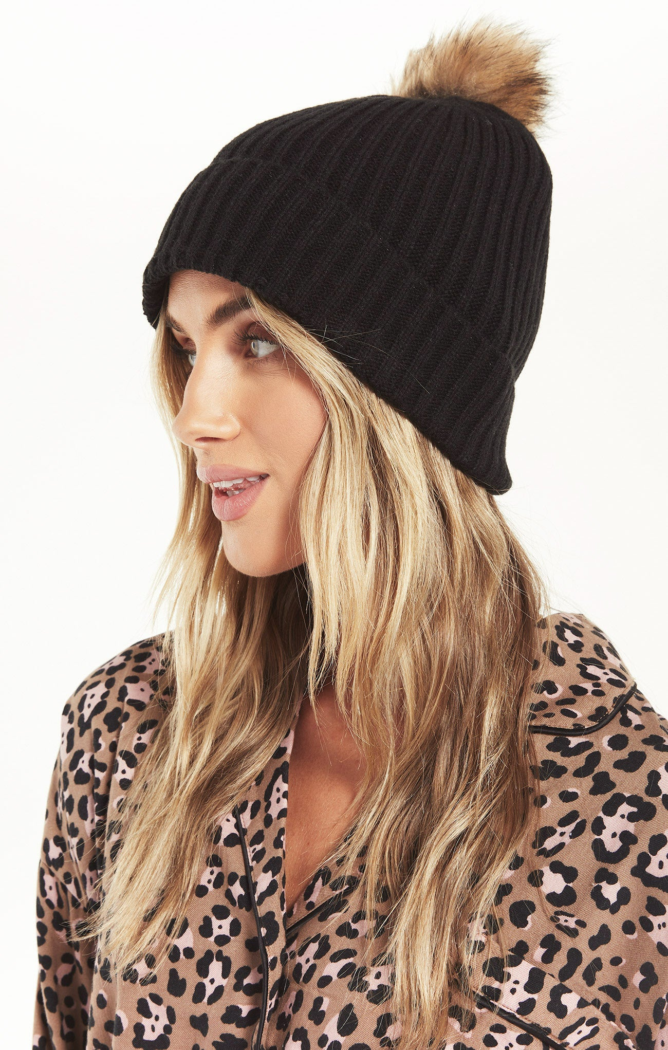 Accessories Cozy Up Rib Pom Beanie Black