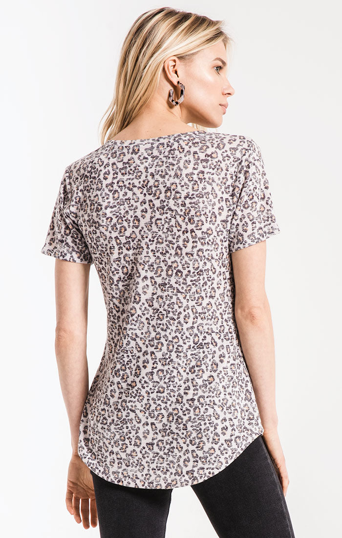 Tops Leopard V-Neck Tee Natural Leopard