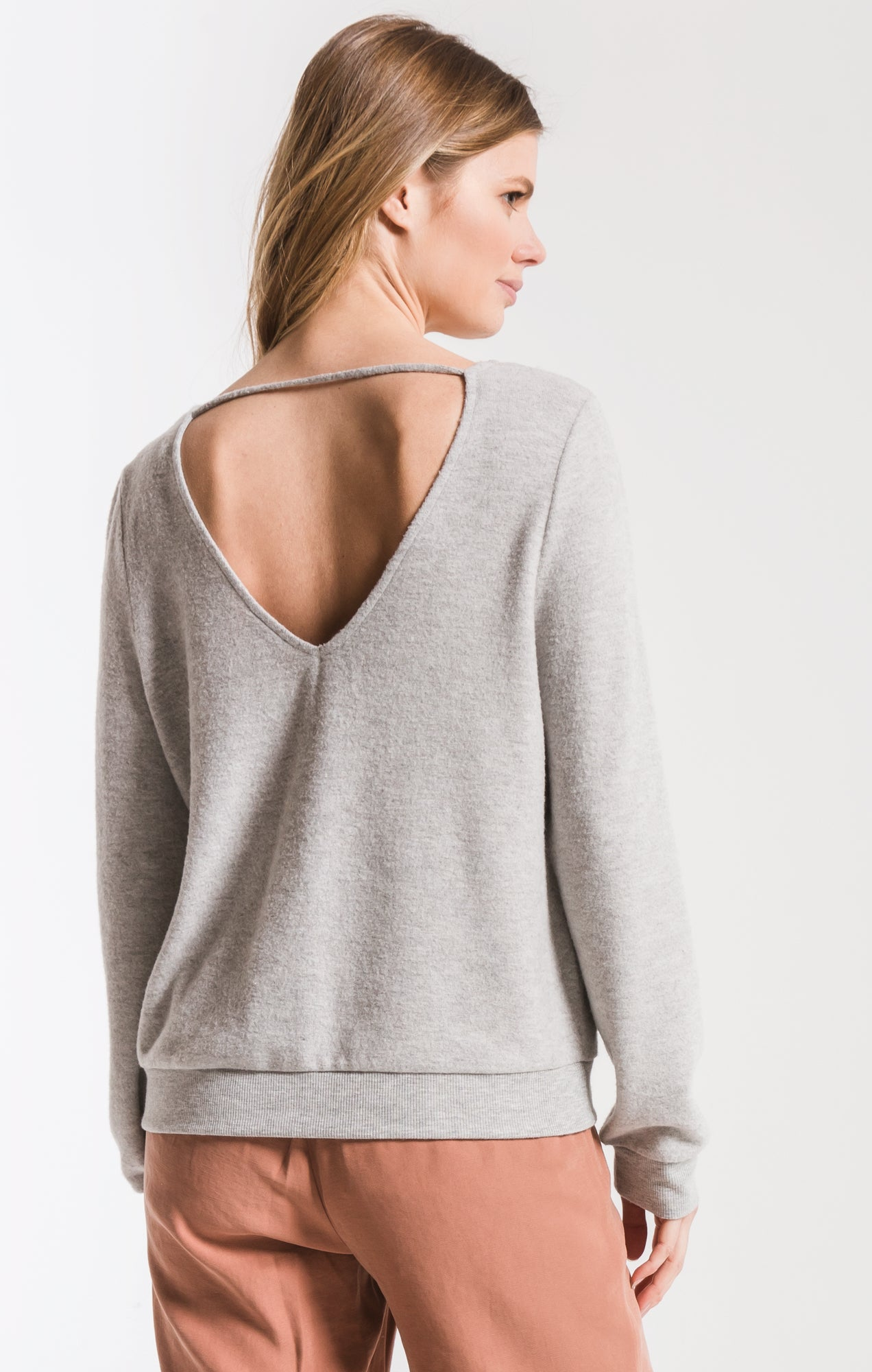 Tops The Soft Spun Strap Back Pullover Heather Grey