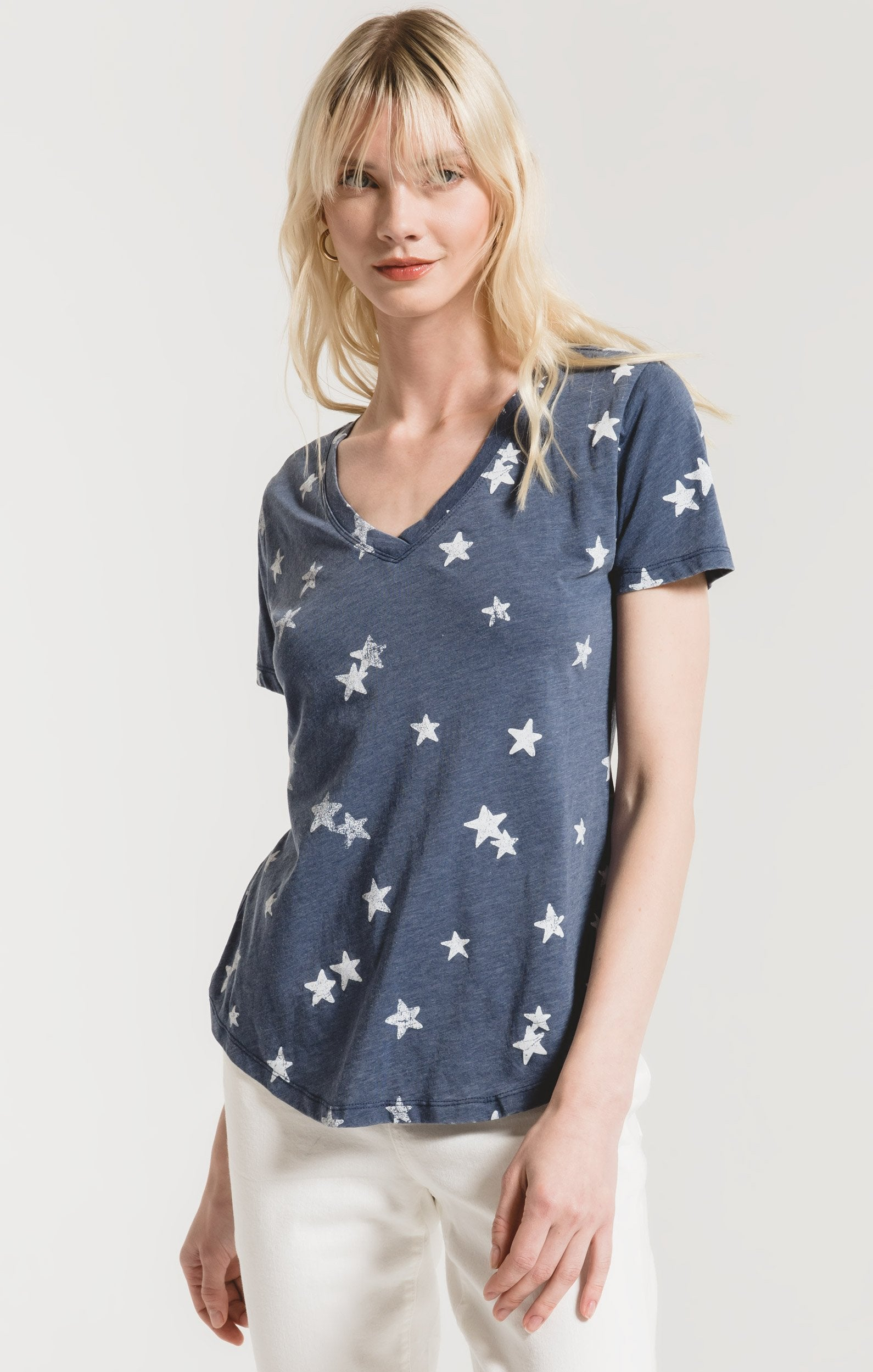 Tops Distressed Star V-Neck Tee Black Iris Combo