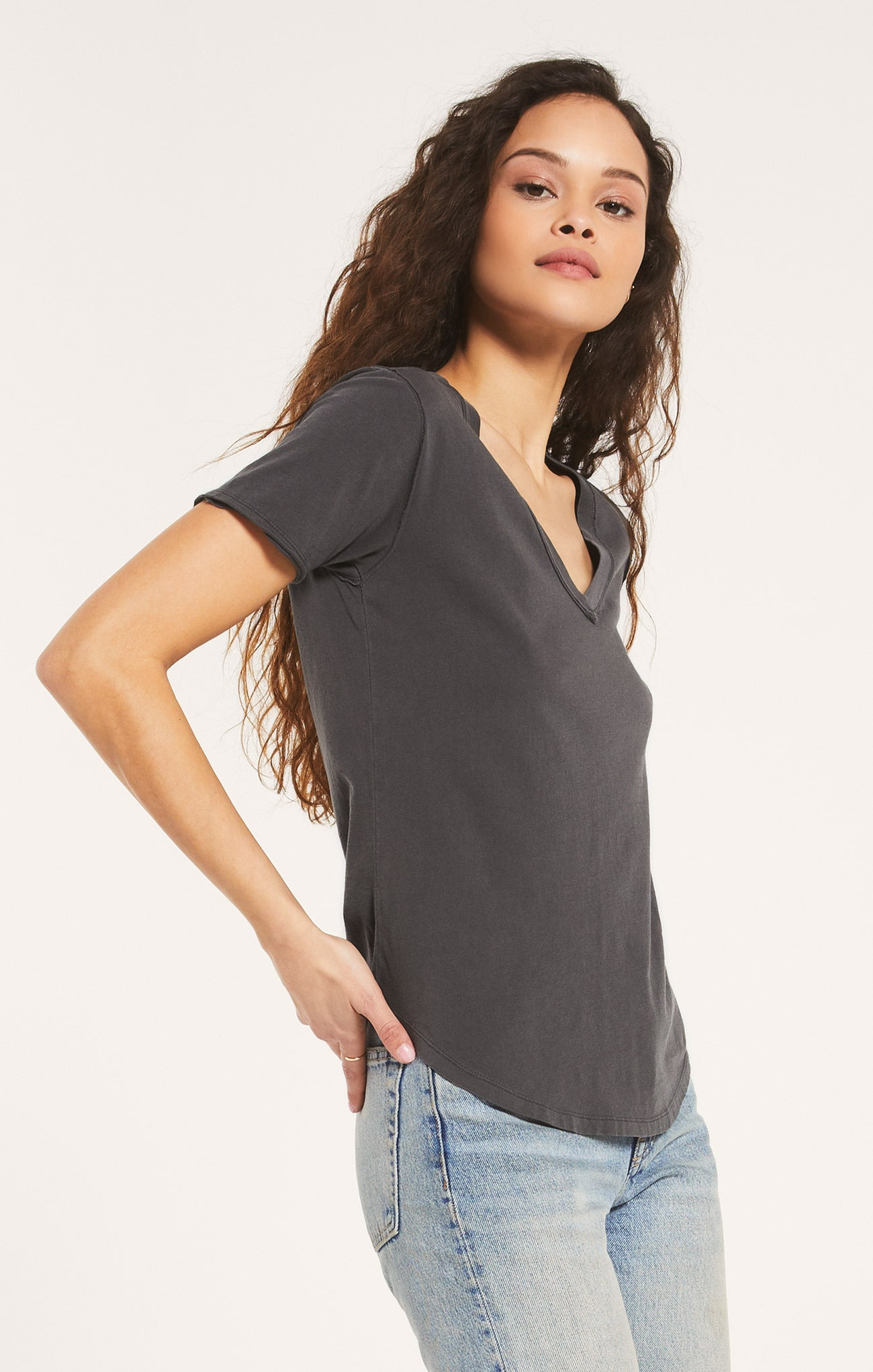 Tops Organic Cotton V-Neck Tee Washed Grey