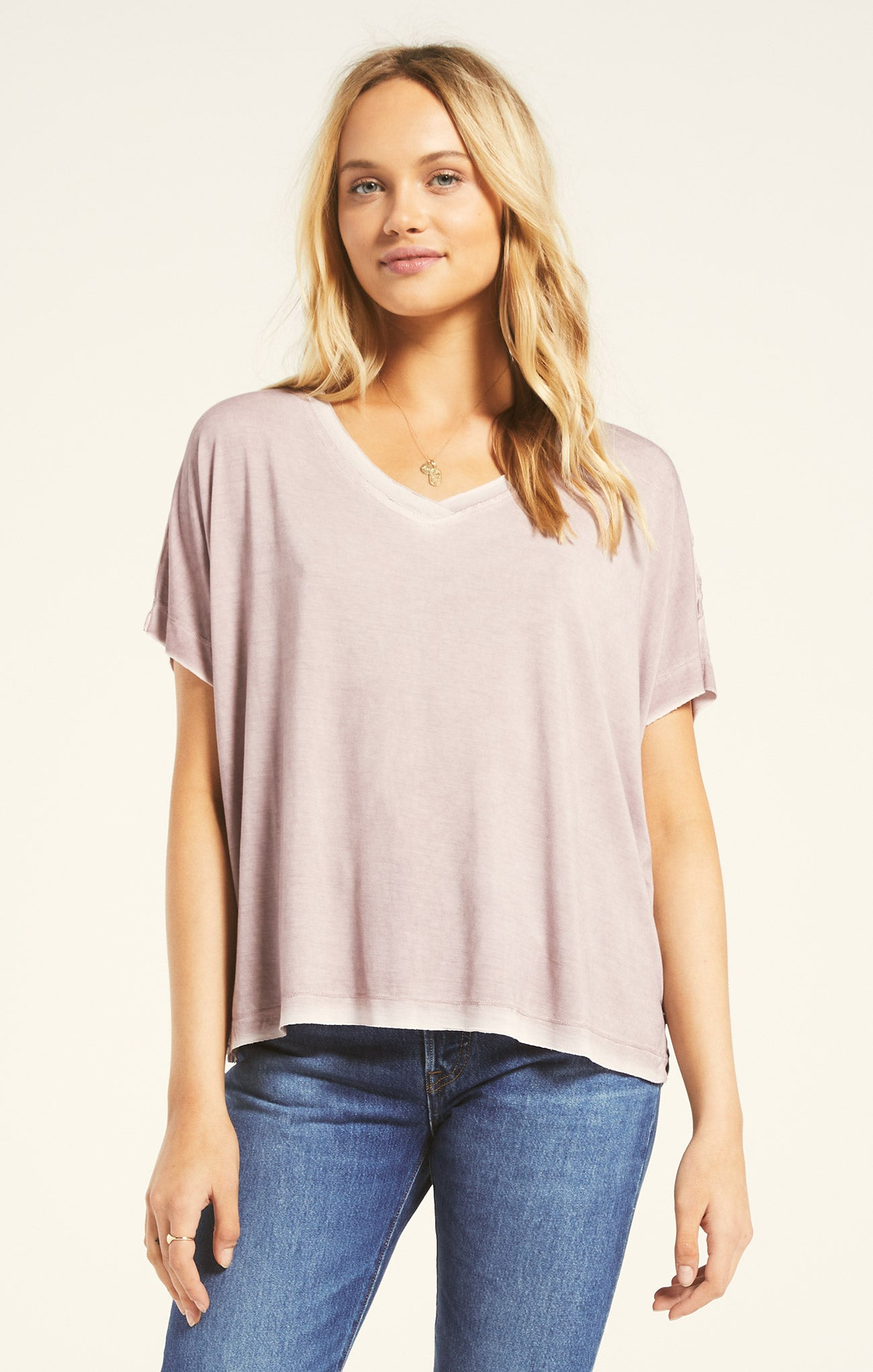 Tops Mischa Sleek V-Neck Tee Amethyst