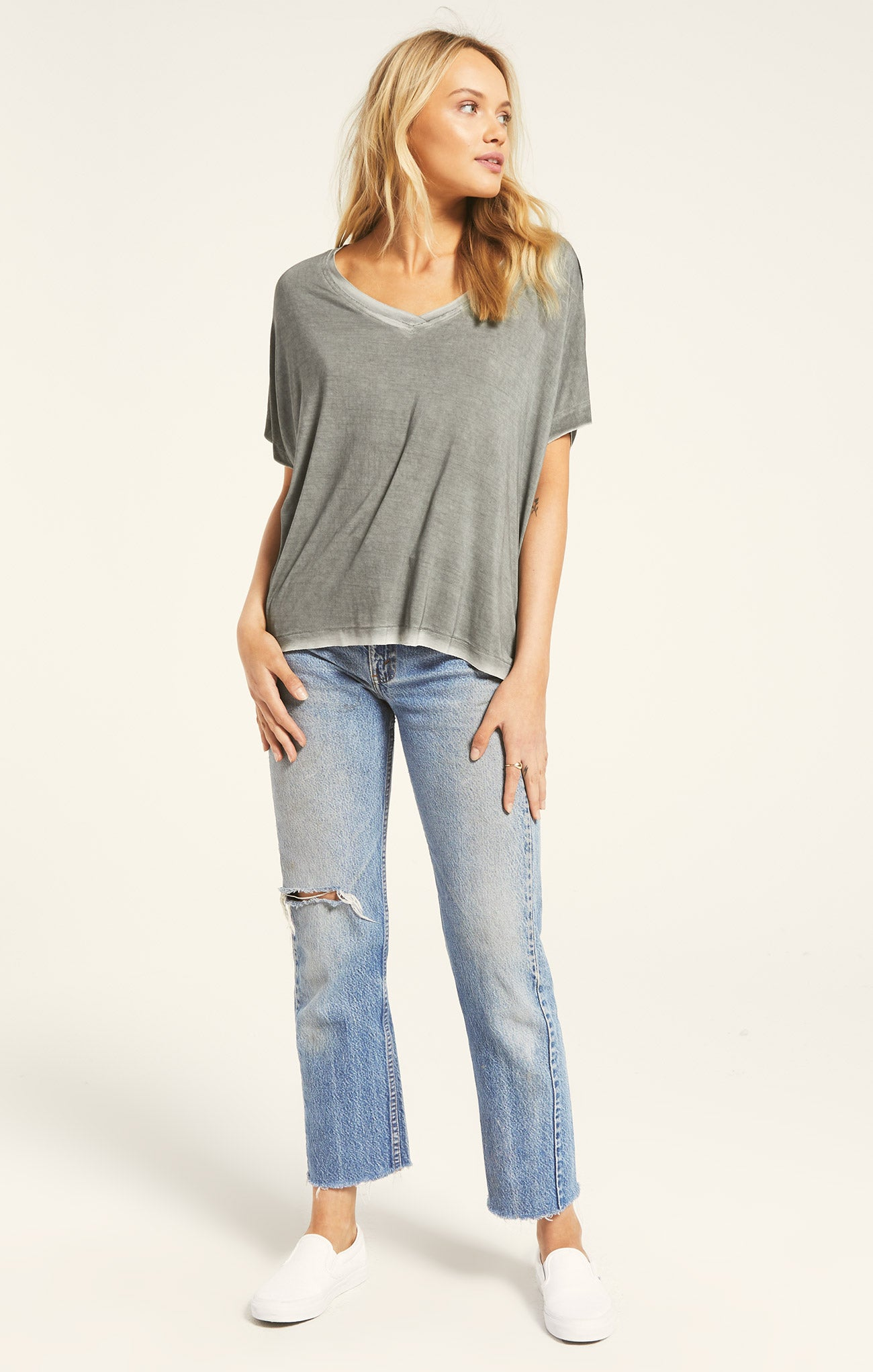 Tops Mischa Sleek V-Neck Tee Ash Green
