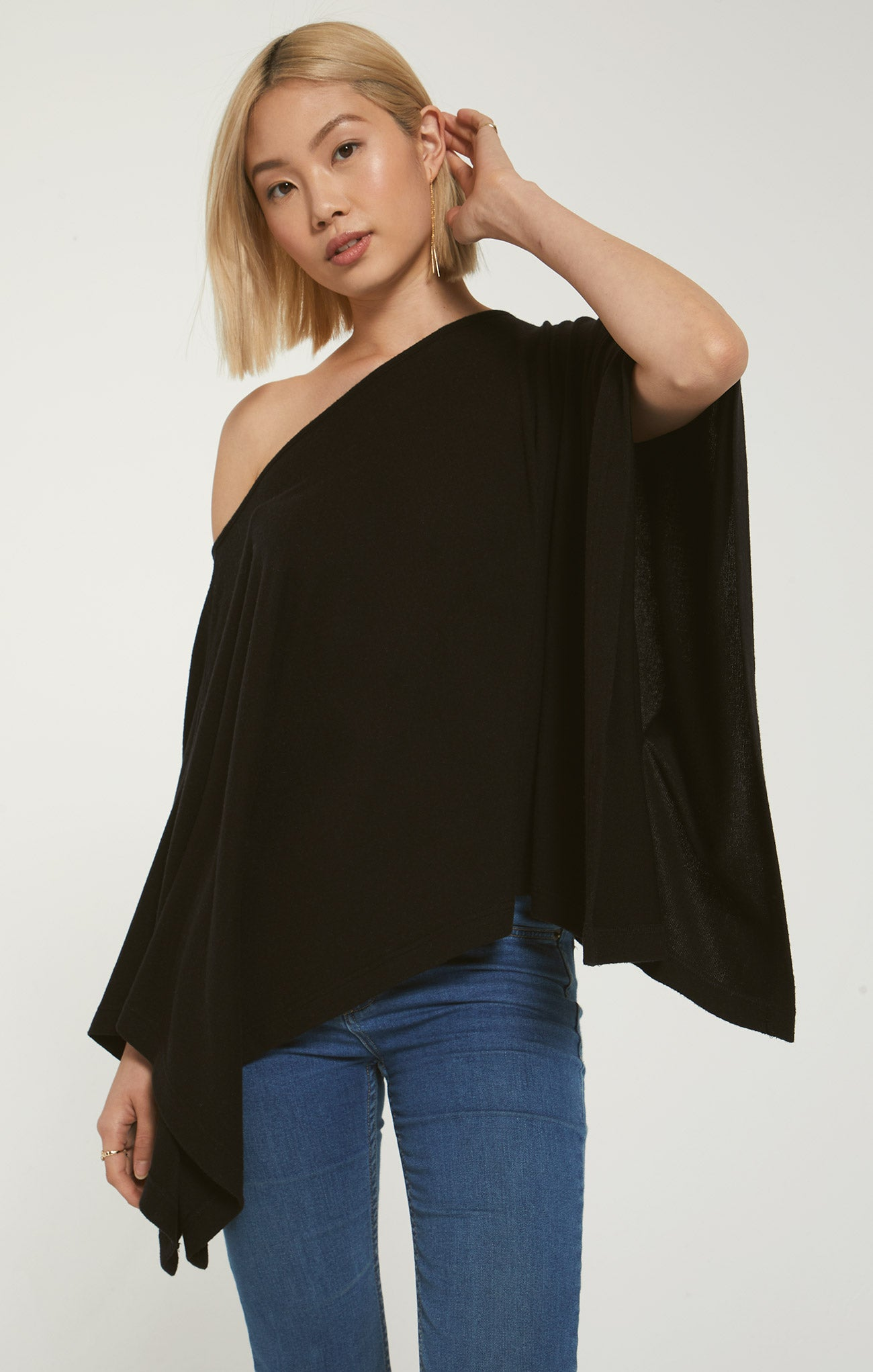 Tops Ruby Marled Poncho Black