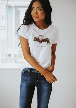 Outdoor Graphic Wild & Free Tee