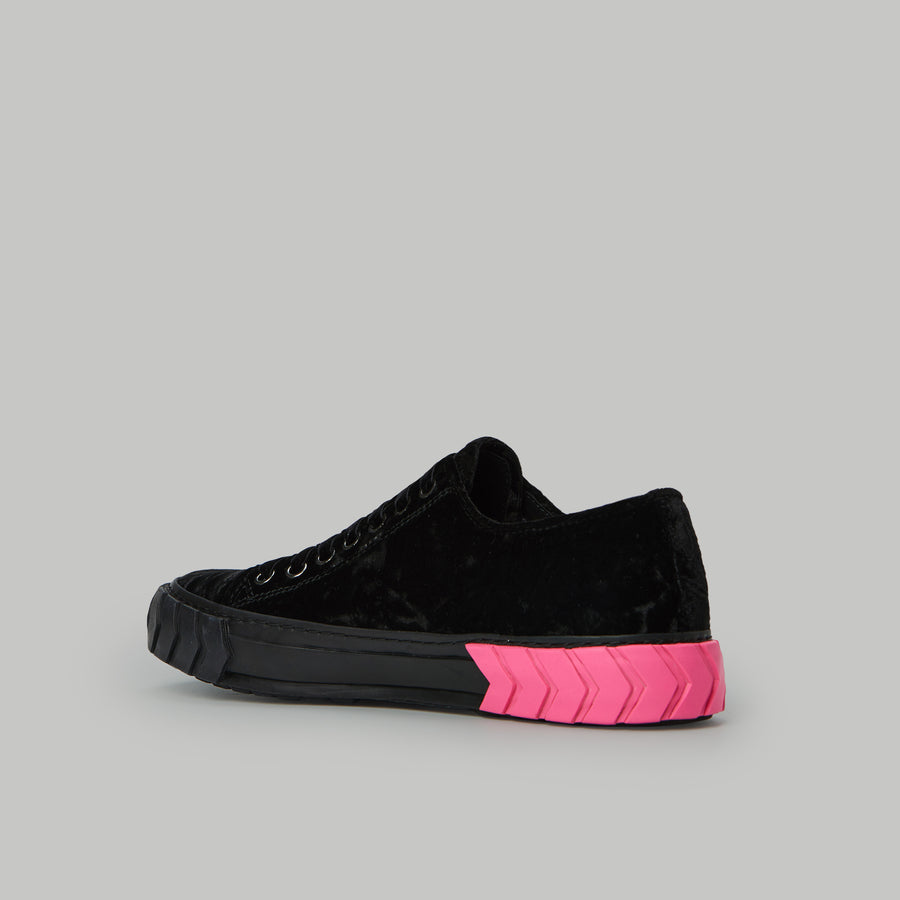 both - TYRES LOW TOP-W-BLACK/PINK