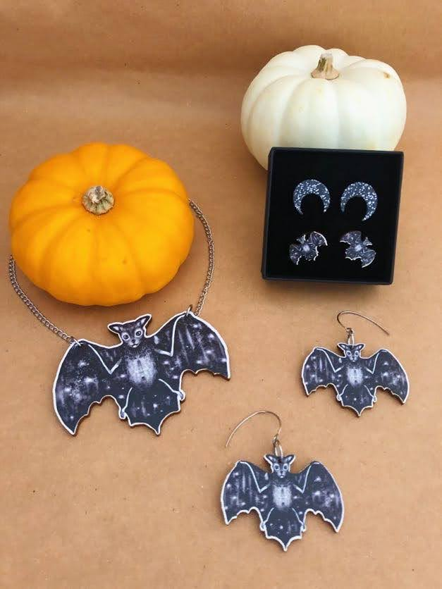 Halloween Special Box set NR 3 : Bat Necklace, Bat Hook earrings and Mini Bat/Moon set