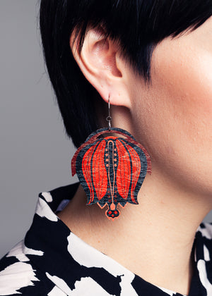 AW19 Linnea Single Dangle Earrings, Red/Black Color, Wood
