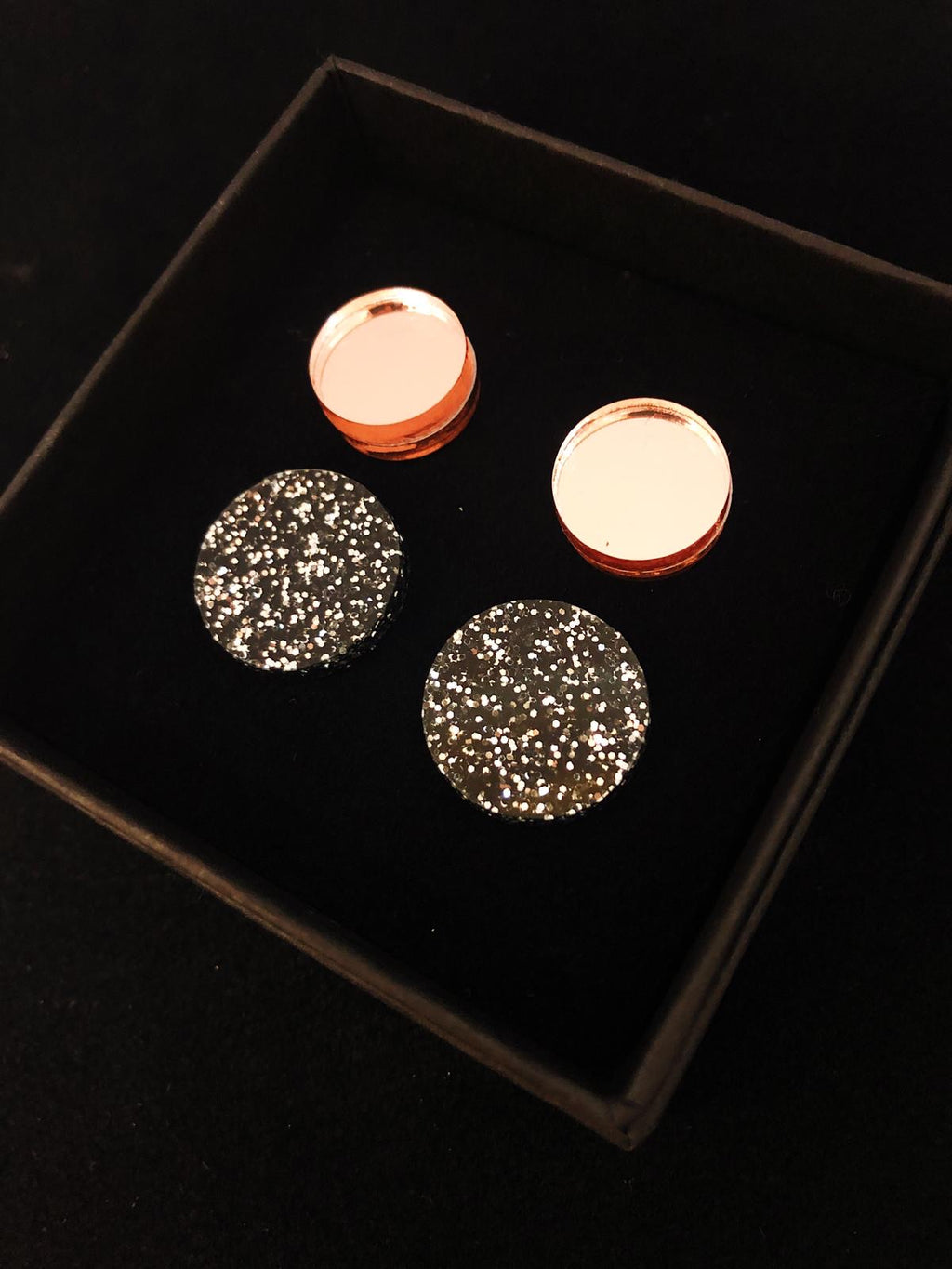 Lara Stud Set, Black Glitter/Rose Gold Mirror