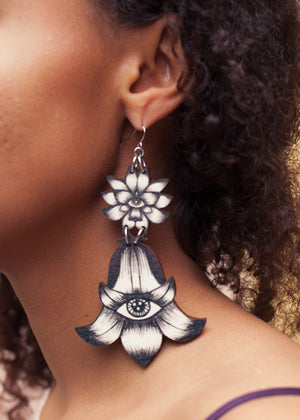 Flower Totem Earrings, Black/Wood