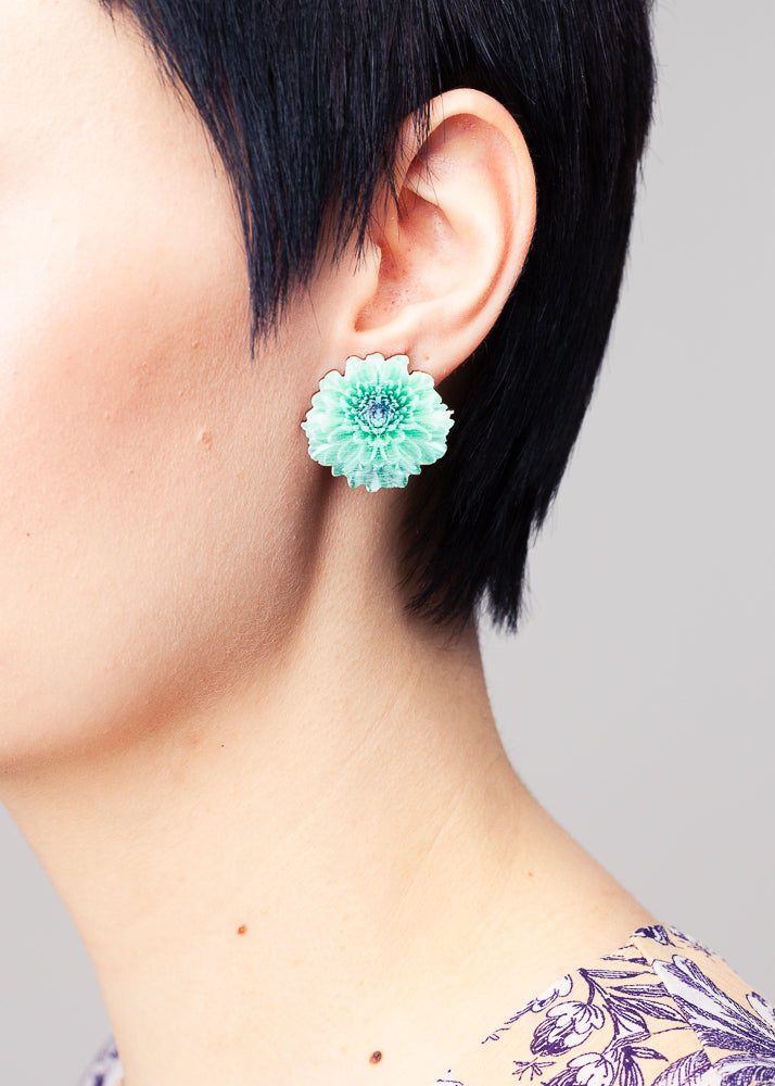 Chrysantheme Lagoon Green Stud Earrings