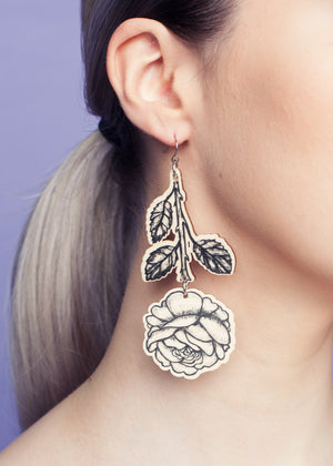Rose Branch Earrings, Black/Wood