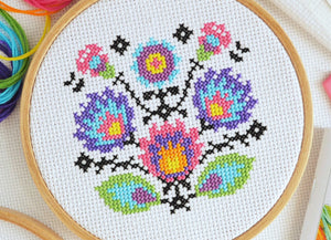 Cross Stitch for Beginners Folk Flowers - Perfect for Teens and Adults