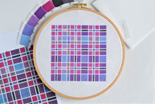 Load image into Gallery viewer, PDF Pattern for Tartan Square