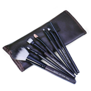 RED MAKEUP BRUSH SET WITH BAG