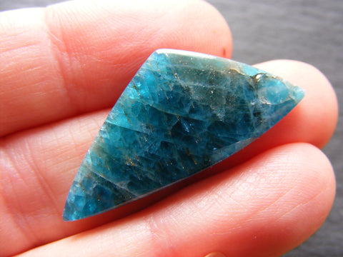 Apatite Triangular Cab