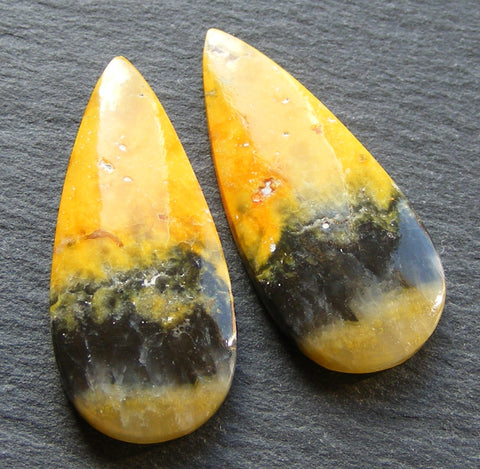 Bumble Bee Jasper Pear Cabs - Matching Pair