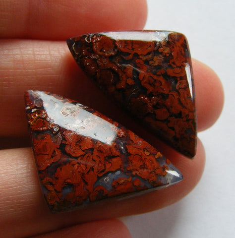 Hungarian Agate Triangular Cabs - Matching Pair